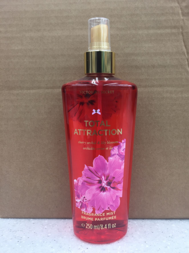 VICTORIA'S SECRET TOTAL ATTRACTION FRAGRANCE MIST - 250ml